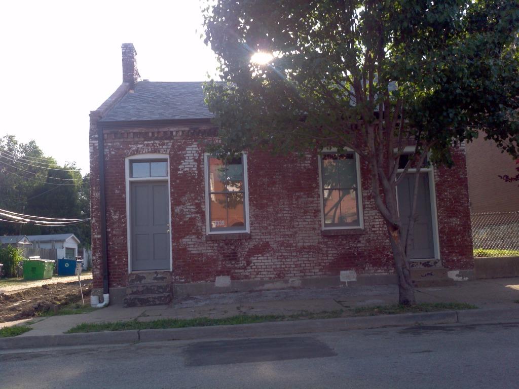 Benton Park Rehab Progressing (3339 Missouri)