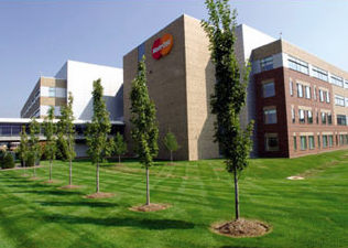 Considerable Renovation Project At MasterCard Headquarters Includes Shrinking Workstations