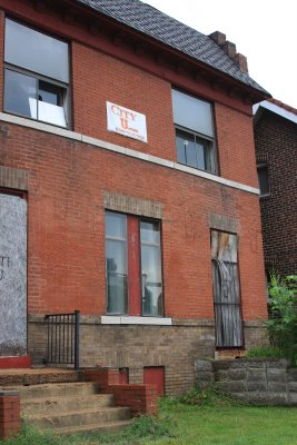 St. Louis City Threatens to Fine Negligent Vacant Building Owners 12 Lattes!