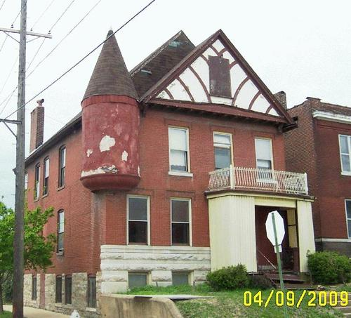 Tower Grove East Corner Building to See Rehab (3500 McKean)