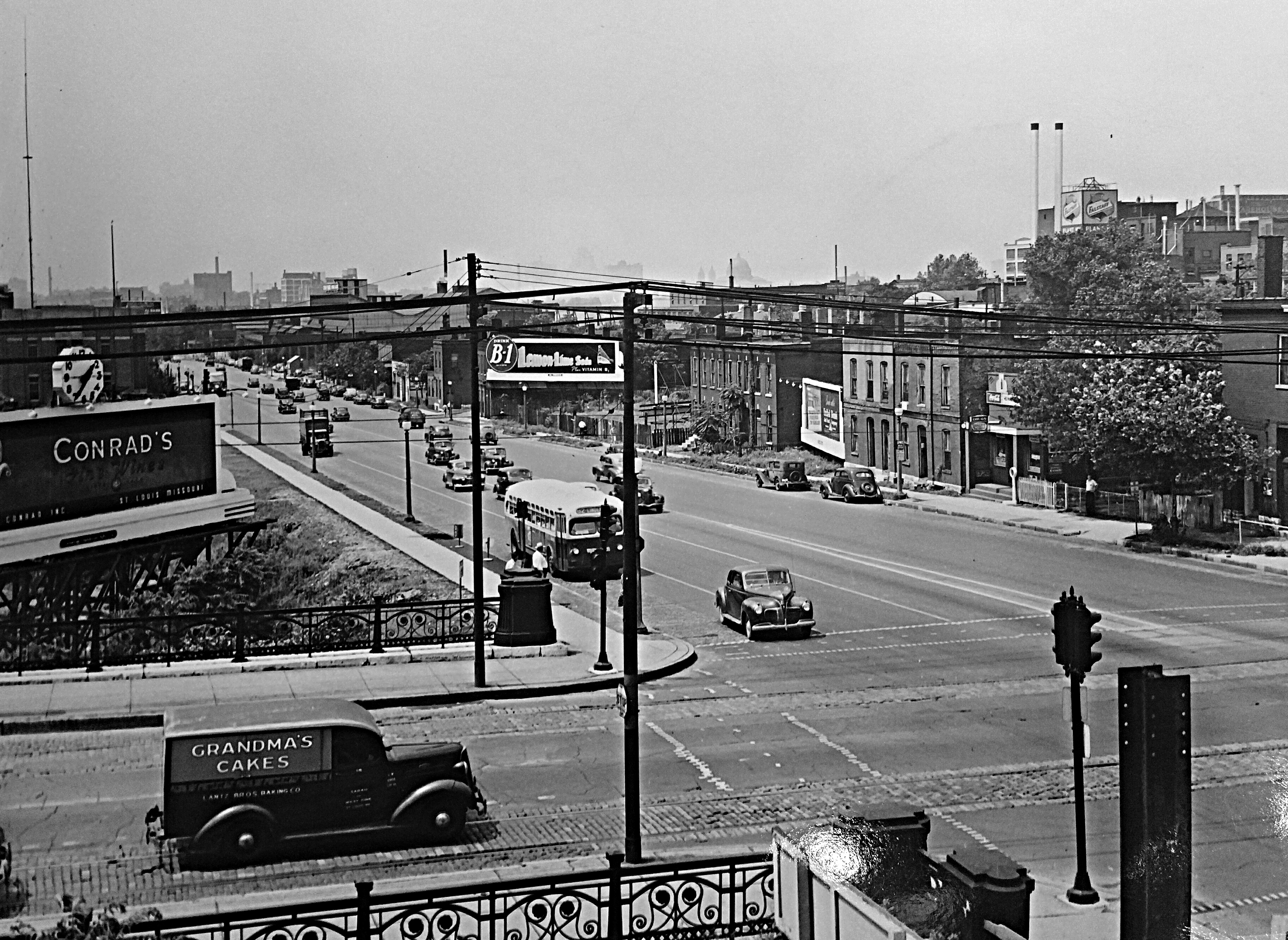 Grand and Market looking West c1950 - St. Louis, MO