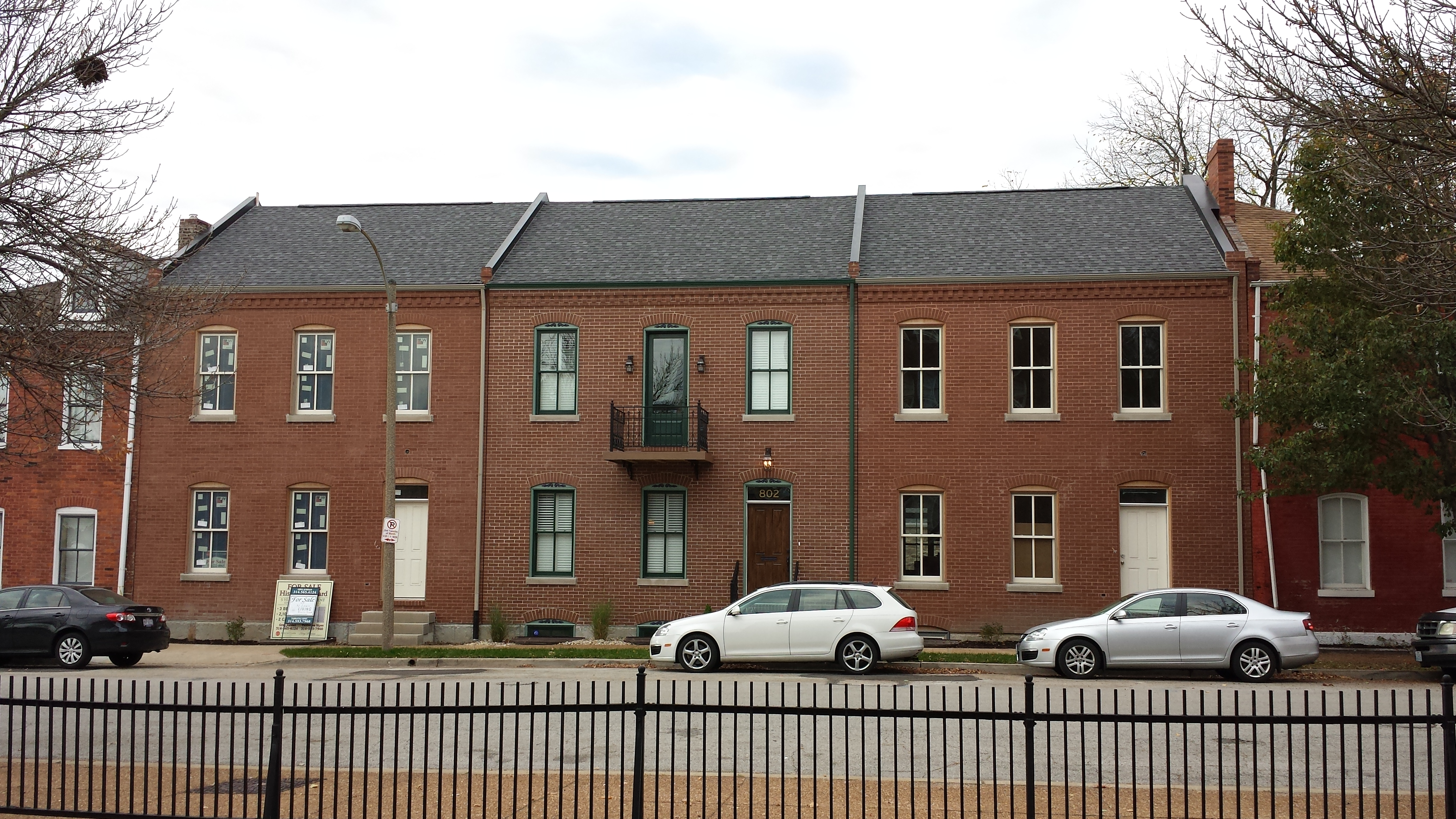 Soulard Rowhouse Infill Development Nearing Completion (800-04 Ann)