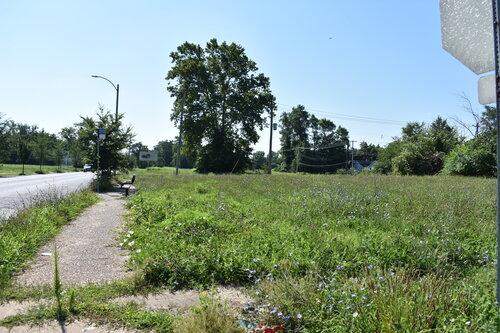 St. Louis Avenue looking east