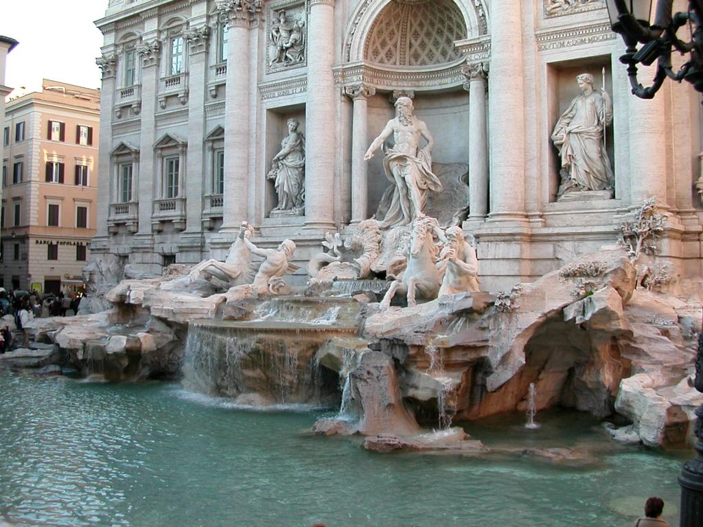 Fontana_di_Trevi_a_Roma