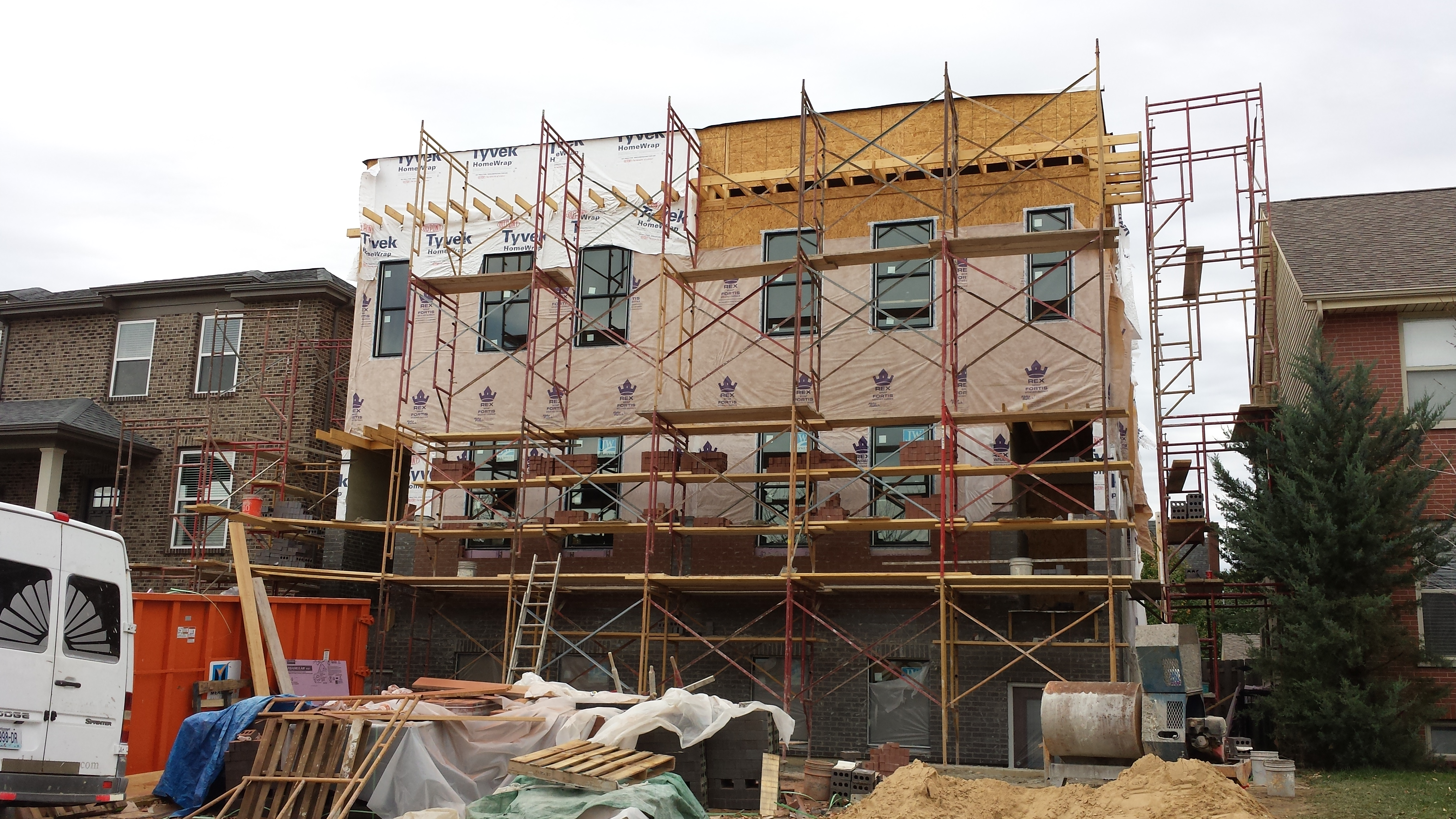 Townhouses Under Construction in the Central West End (4384-86 Olive)