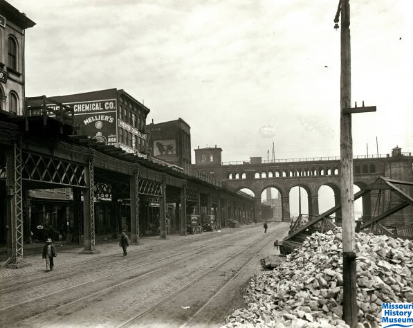 st-louis-riverfront-before-clearance_8905611646_o