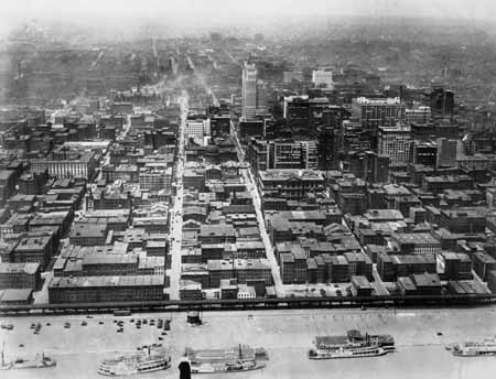 st-louis-riverfront-before-clearance_8905612148_o